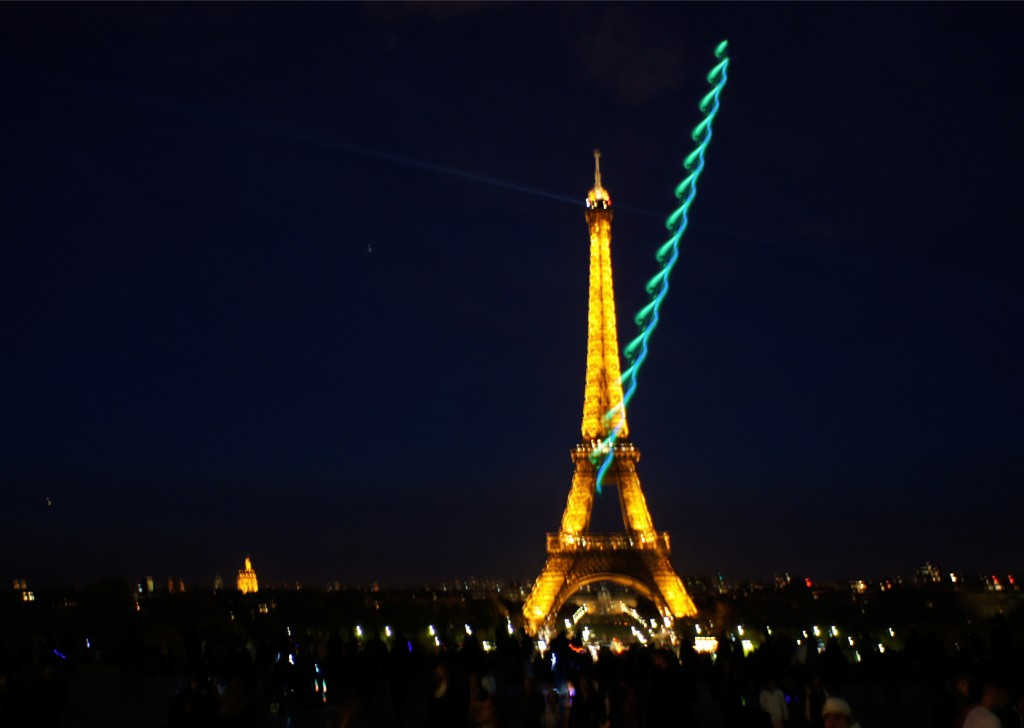 Places-Eiffel Tower2